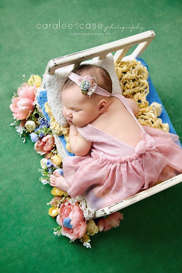 Idaho Falls, ID Newborn Infant Baby Studio Photographer - Caralee Case Photography workshops class posing